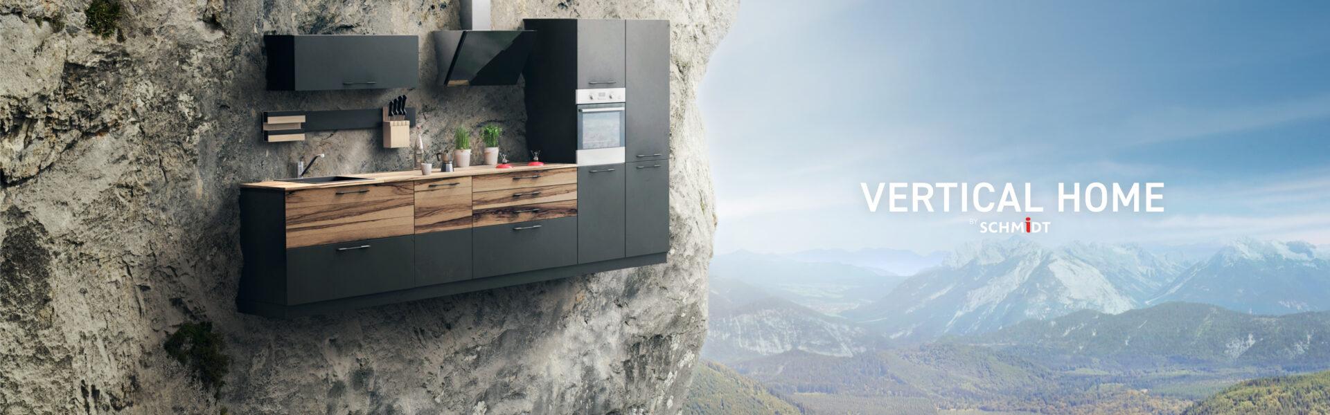 Schmidt køkken monteret på en bjergside